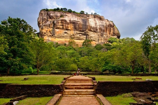15 razlogov zakaj na srilanko sigiriya levja skala
