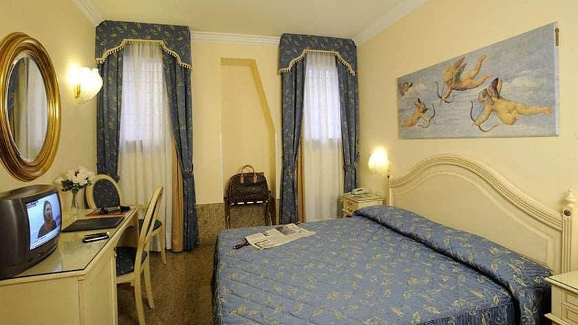 Benetke hotel caformenta1