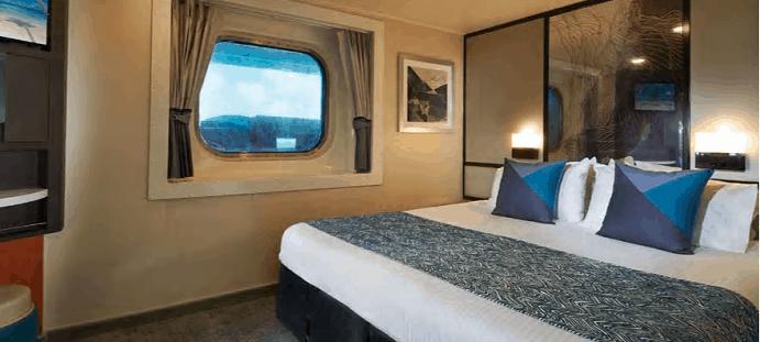 kabina s prozorom