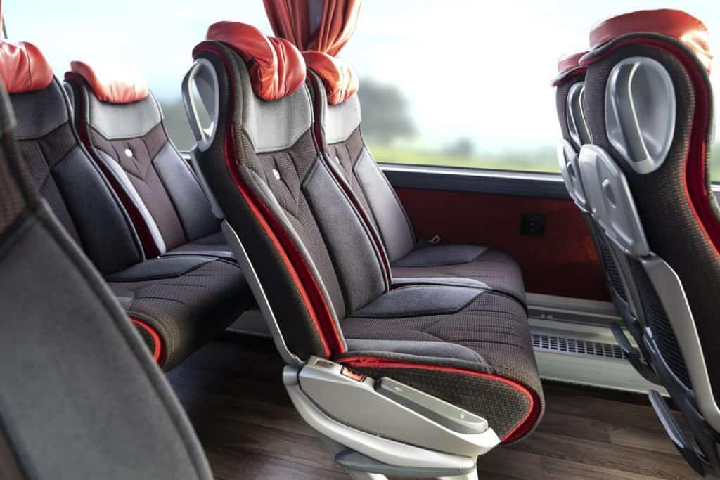 shuttle prevoz do letalisc premium nomago