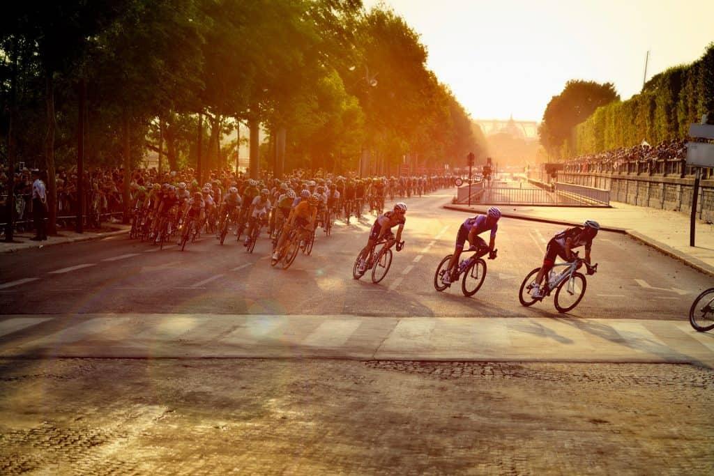 cyclists 601591 1920