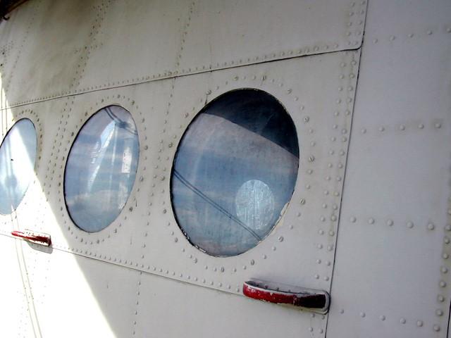 kako so z letali potovali nekoc 2