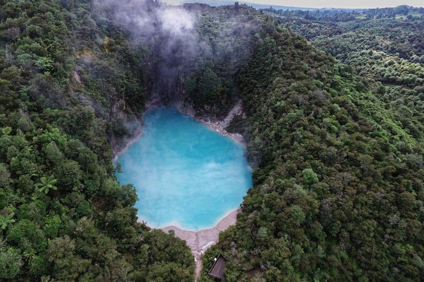 novi zeland blue lake
