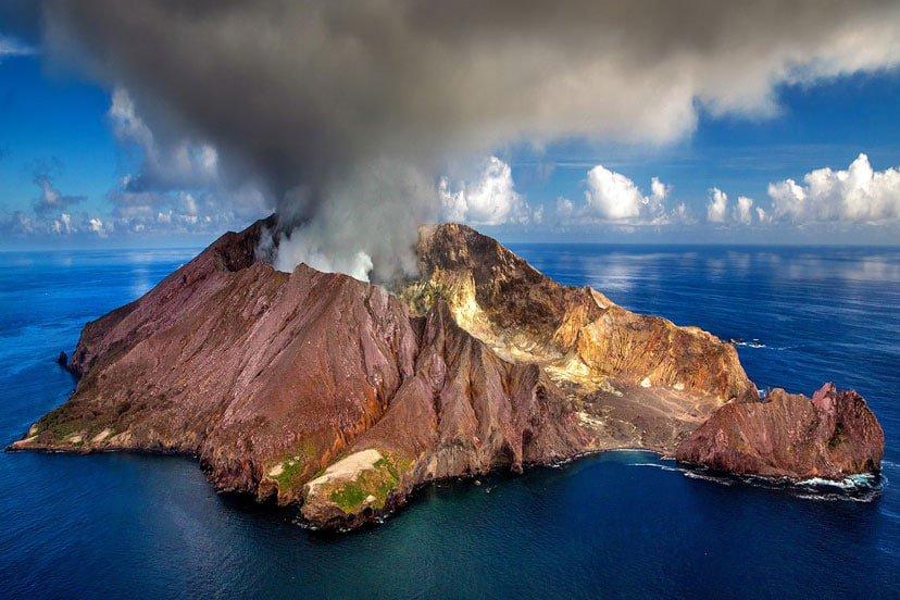 novi zeland vulkan white island