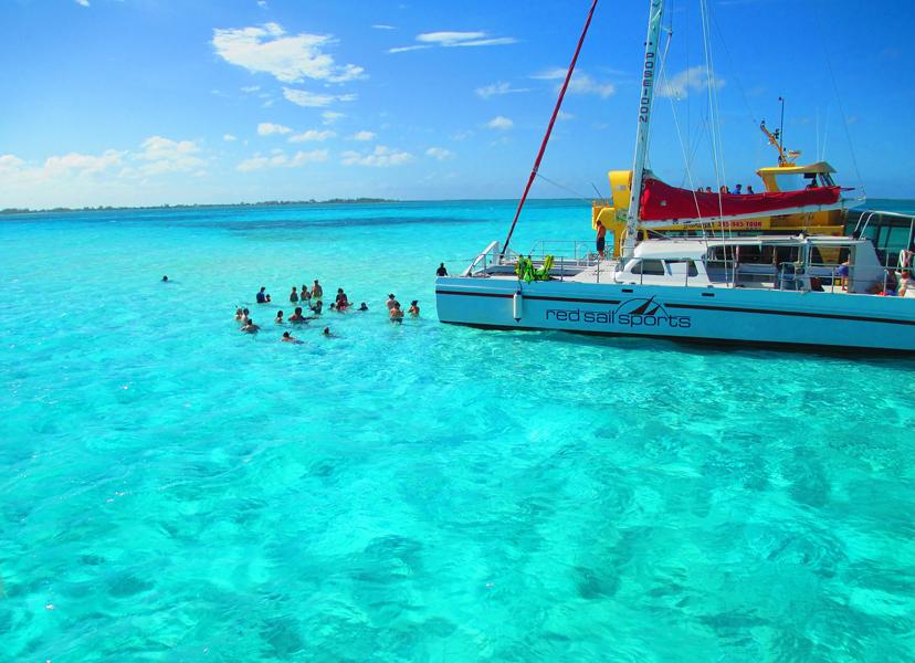 Ljetne destinacije za solo putnike, Jedrenje Mediteranom