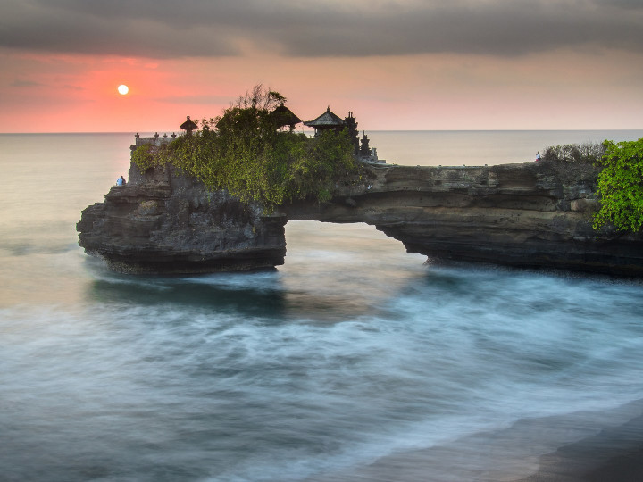 50 najljepših destinacija u Aziji, Tanah Lot,Bali, Indonezija