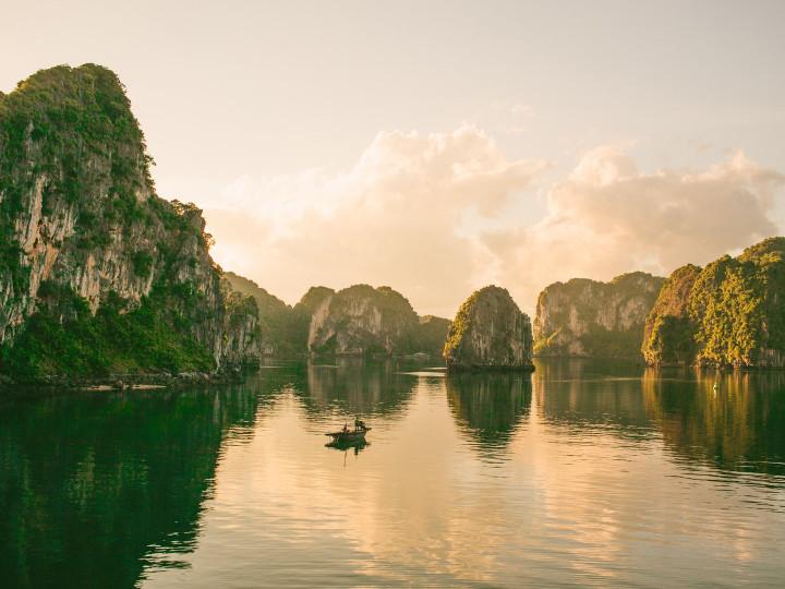 50 najljepših destinacija u Aziji, Ha Long Bay, Vijetnam
