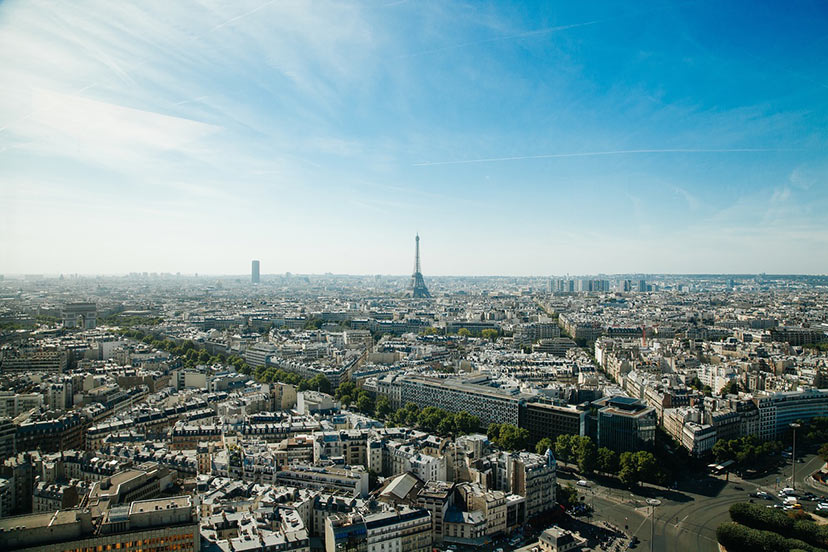 24 ur v Parizu